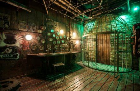 Final Escape - The Steampunk Puppeteer - Live Escape Game