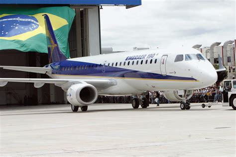 Aircraft: Embraer 190 (E90) @ OurAirports