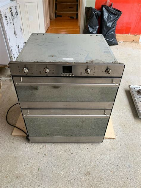 SMEG SpA 42016 Electric Oven   in Finsbury Park, London
