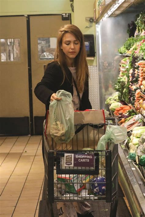 Jessica Alba - Shopping at Whole Foods Market in Beverly