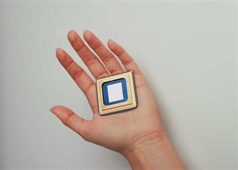Smallest Projector in the World - TFOT