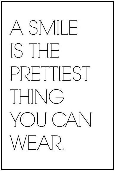 a-smile-is-the-prettiest-thing-you-can-wear_sprueche-für